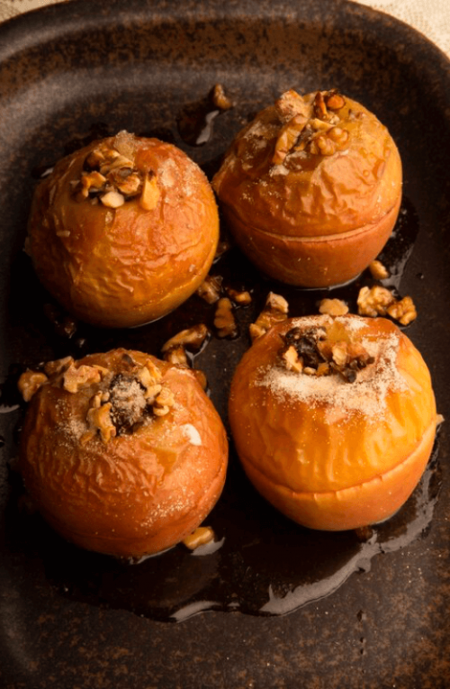 Apple baked with Dates and Walnuts
